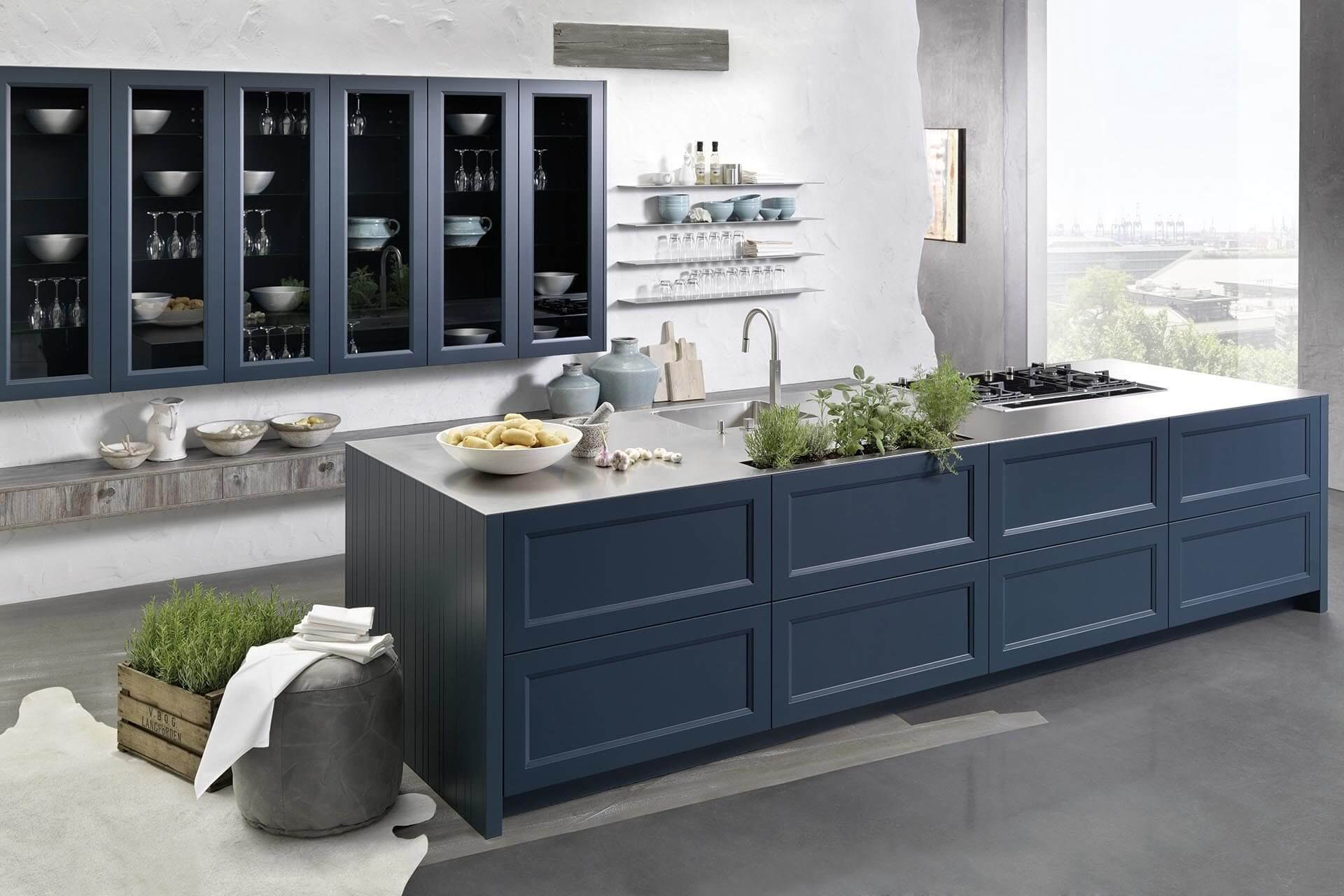 Regina Kueche Casa Landhaus Rahmenfront blau